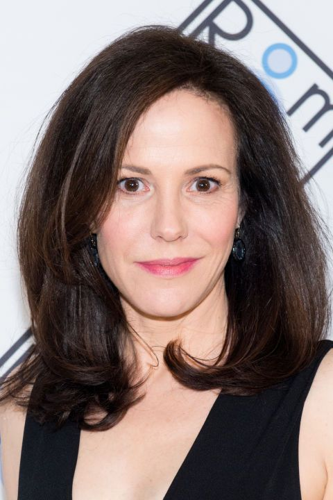 Just because your hair is straight doesn't mean it can't look full. Mary Louise Parker used a big round brush like the Revlon Perfect Round Brush ($9, ulta.com) to get plenty of width and cute flipped-under ends.