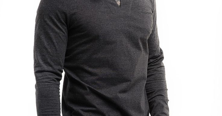 Марка дизайнерской одежды ALTRA (СПб) основана в 2011году дизайнерами Старченко Ольгой и Волковой Натальей. К концепции, в которой марка работает сейчас, дизайнеры пришли не сразу. Было много экспериментов со стилизацией, ретро, ручной вышивкой. Сейчас концепция ALTRA - легкость, простота, интеллект, свобода творчества. В сезоне FW 16\17 марка ALTRA выпустила первую мужскую коллекцию и пополнила женскую базовую коллекцию новыми трикотажными платьями.