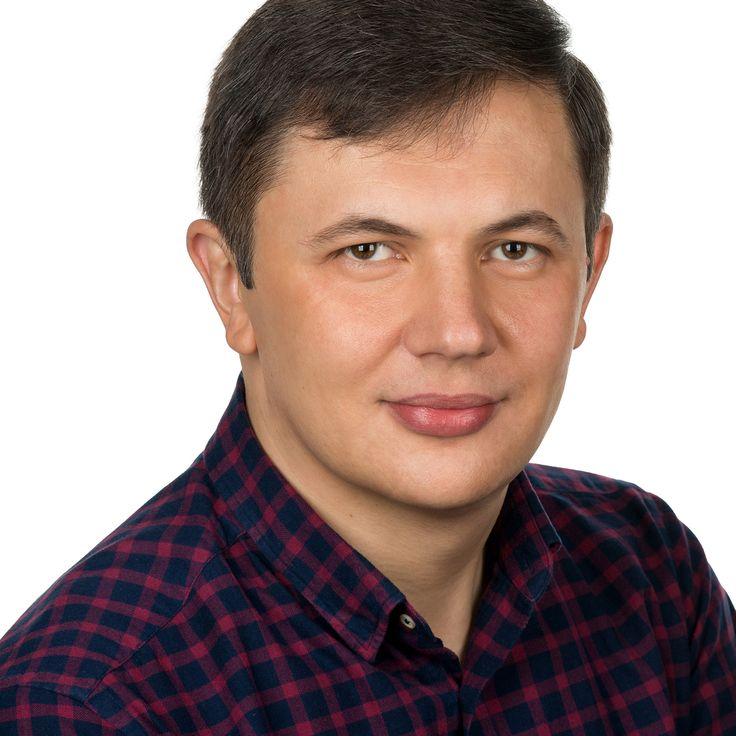 Sorin Rusu - Manager IT - headshot, business portrait