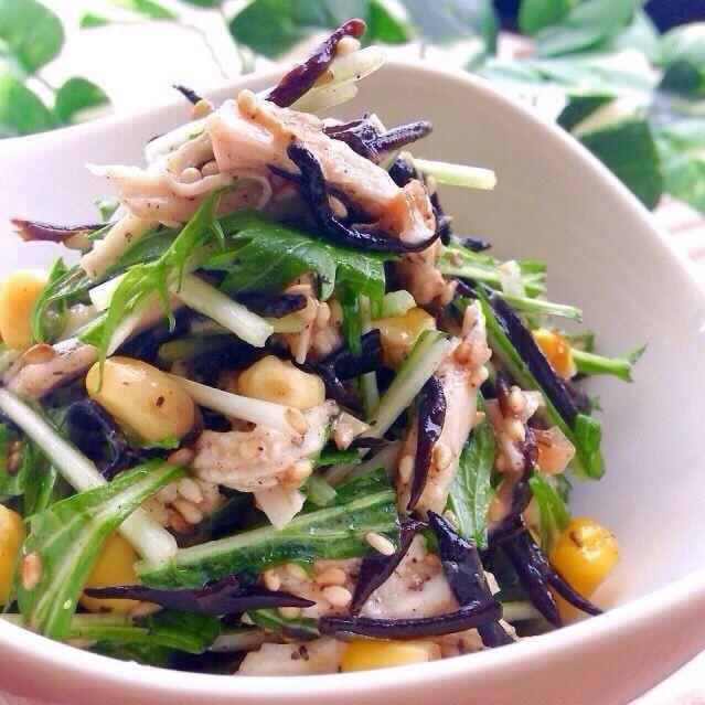 レシピはこちら http://pecolly.jp/user/profile/18513 - 25件のもぐもぐ - 水菜とひじきの梅肉おかか和え by nakimusiyuu53