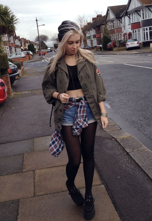 Neo Grunge: denim cutoffs, khaki jacket. Would look even better with black Doc Martens. Via → trashion †