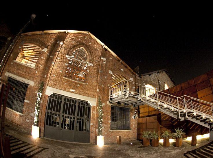 www.italianfelicity.com #weddinginitaly #weddinginmilan #venue