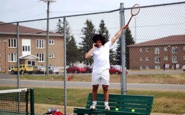 Tutti gli stereotipi del tennis in un video esilarante Soprattutto se giocate abitualmente a tennis o lo avete fatto in passato, dovete assolutamente guardare questo video divertentissimo in cui vengono rappresentati tutti gli stereotipi possibili di una #tennis #video #stereotipi