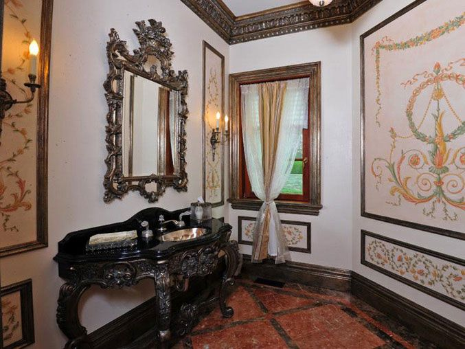 Готический стиль ванной комнаты