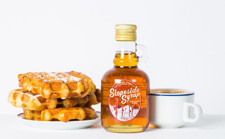 Pure maple syrup is organic and scarce. Here's how it's made, why it's healthy and which are the 5 best maple syrups to top your pancakes with.