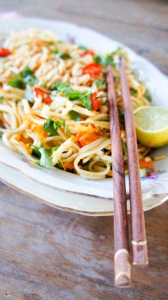 Kleverige kip met udon noodles - Little Spoon