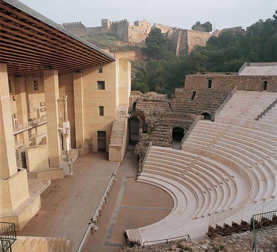 Giorgio Grassi y Manuel Portaceli, reconstruction of the Roman Theatre of Sagunto, Spain