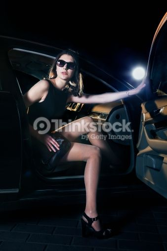 Collection:XiXinXingItem number:186477396Title:Young elegant woman stepping out of the car in sunglasses and evening dress at a red carpet eventLicense type:Royalty-freeMax file size (JPEG): 12.5 x 18.7 in (3,744 x 5,616 px) / 300 dpi Release info:Model released