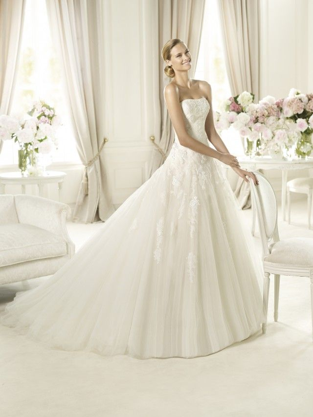 Popular Are you a Pronovias bride This strapless dress has delicate floral chantilly lace appliqu s and white gemstone embroidery that falls delicately down the