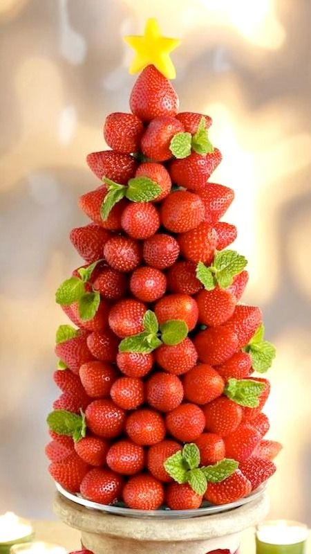 Very Berry Holiday Strawberry Tree Tutorial