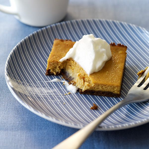 Weight Watchers Pumpkin Bars - Enjoy a taste of fall with these pumpkin cheesecake bars. Crumbled ginger snaps make a wonderfully tasty crust.