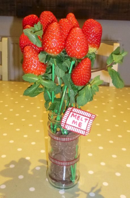 Valentines Dipping Strawberries! Great Idea For Valentines Present For Him!