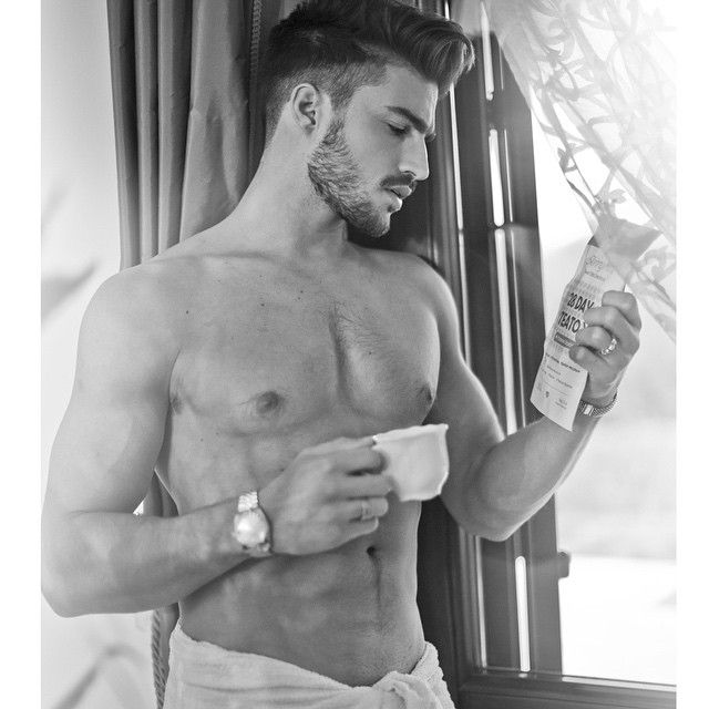 So happy to start my Teatox journey with @SkinnyMintCom  ! This is the perfect healthy alternative to the crazy eating during the holidays ✨ I really need it:) #DareToBeGorgeous #SkinnyMint by @marianodivaio http://ift.tt/17xwcTs