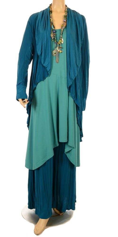 .Love the layers, the color, the comfort I imagine in wearing this ensemble. Also great with a statement necklace.
