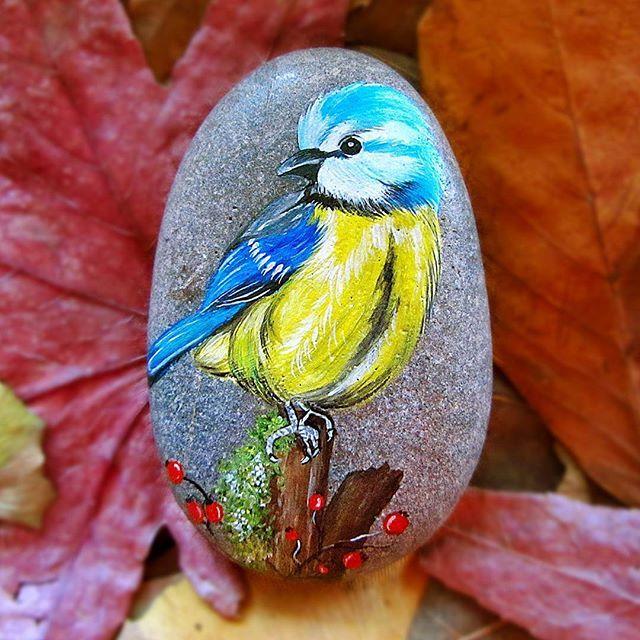 Çok şirin değilmi #hediye #elboyama #taşboyama #hediyelik#hediyelikeşya #dekoratif #yılbaşı #yeniyıl #biblo #sanatsal #özelgünler #kişiyeözel #doğumgünü #doğa #sevgi #güzel #painting #paint #handmade #handpainted #stonepainting #acrylic #nature #happynewyear #decoration #christmas #merrychristmas #kuş #bird #art