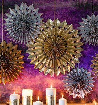 Paper foil medallions - new year's eve party decoration // Papír (fólia) csillagok - szilveszteri buli dekoráció // Mindy - craft & DIY tutorial collection