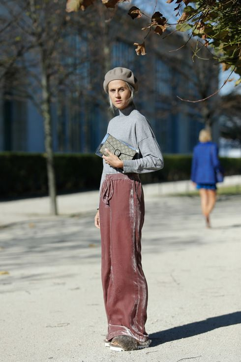 Street Style: Linda in ZARA Sweater & Pants, GUCCI Hat & Bag | Fashionsnap.com