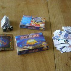 Boite jeu monopoly euros miniature au 1/12 scrap maison