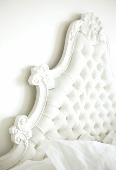 .Ideas, Dreams, Tufted Headboards, White Headboards, Head Boards, White Bedrooms, Vintage Interiors, Upholstered Headboards, Beds Headboards