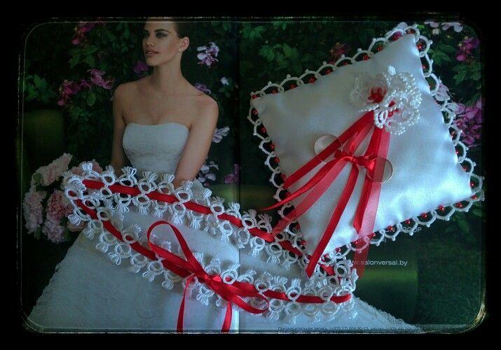 Свадебный комплект: подушечка для колец и полвязка