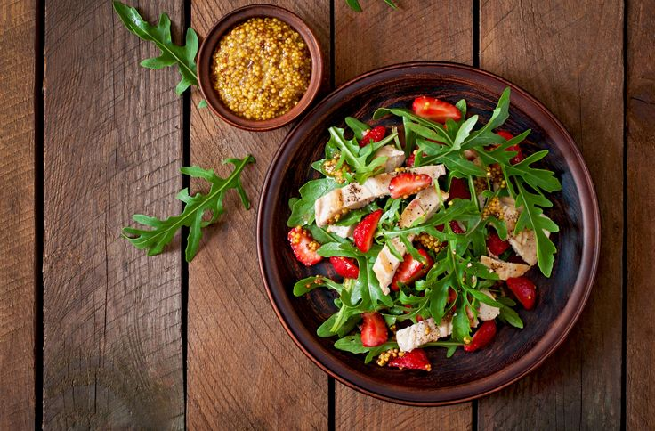 Γλυκόξινες, πικάντικες, με Φέτα, Χωριό Ελαφρύ, Γραβιέρα, θαλασσινά, ψάρια ή και ζυμαρικά, οι σαλάτες χαρίζουν γεύση και υγεία.