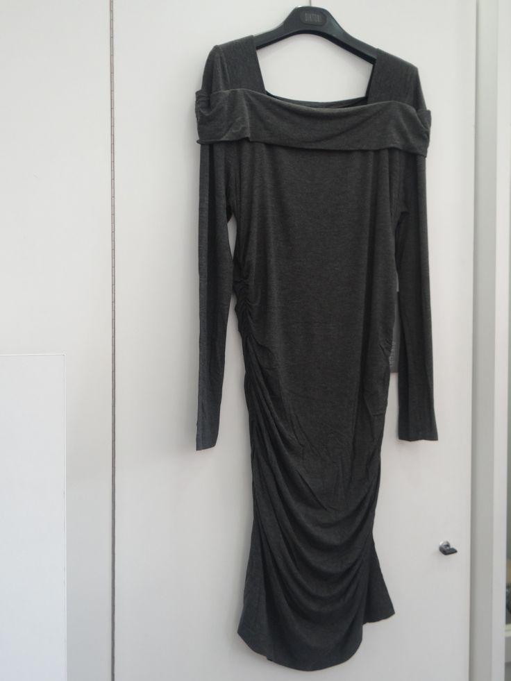 Vestido gris drapeado lateral