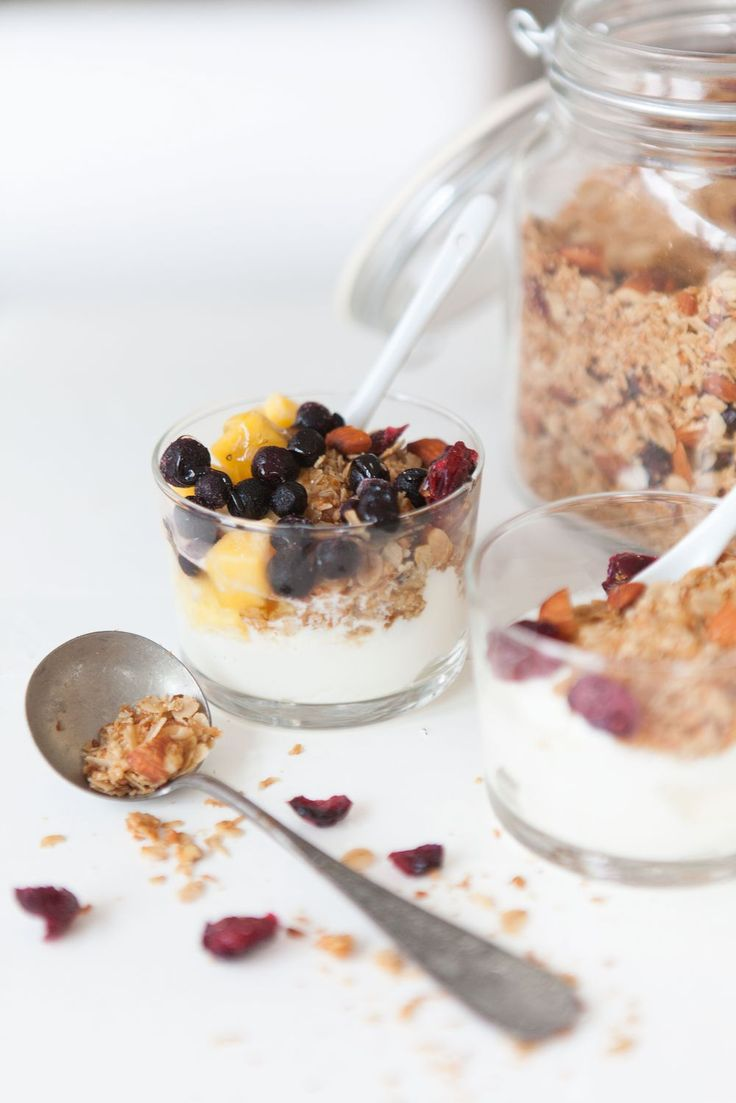 ... mary's homemade granola with cardamom, coconut, cranberry & pumpkin seeds ...