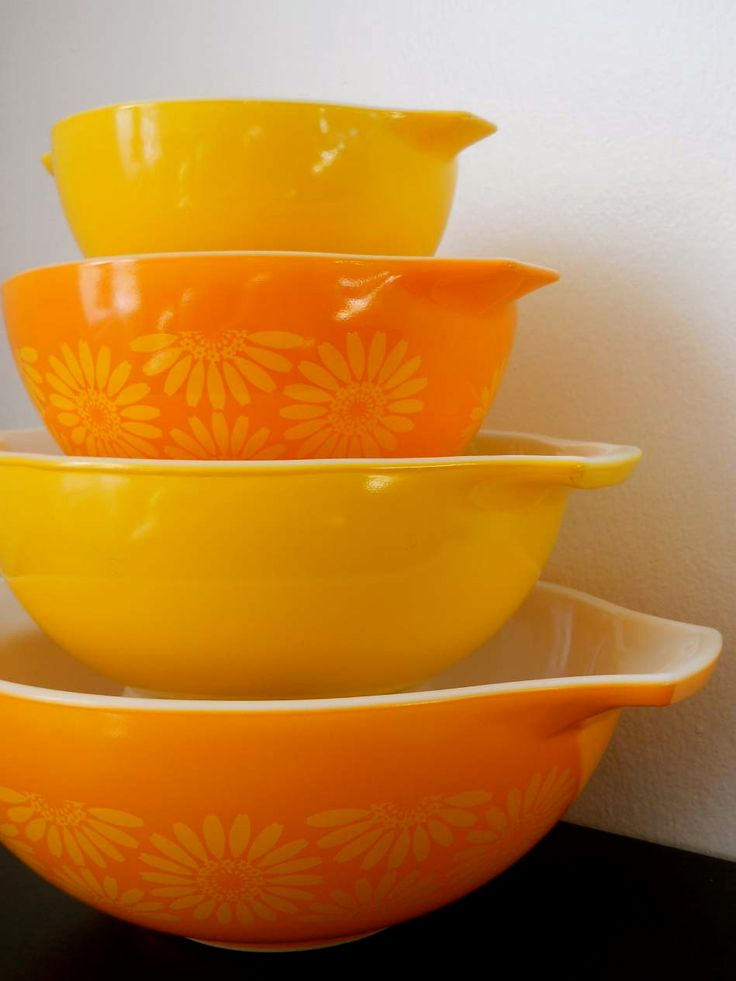 Vintage Pyrex...Yellow and Orange