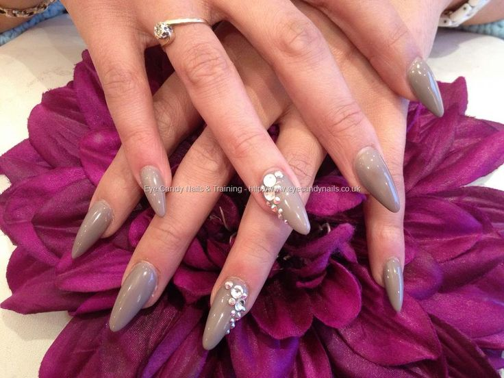 623 best fingers images on pinterest acrylic nails gel nails how to do stiletto nails diy with costs and beautiful black white red and matte stiletto nail designs for inspiration from small to long stiletto nails prinsesfo Image collections