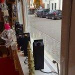 "I added ""Weihnachtswerkstatt – Christmasstudio | mamaviola"" to an #inlinkz linkup!http://www.mamaviola.de/?p=11423"