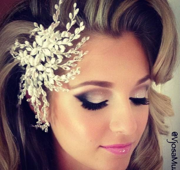 Brides makeup dramatic eye Bridal Makeup Pinterest Pink lips ...