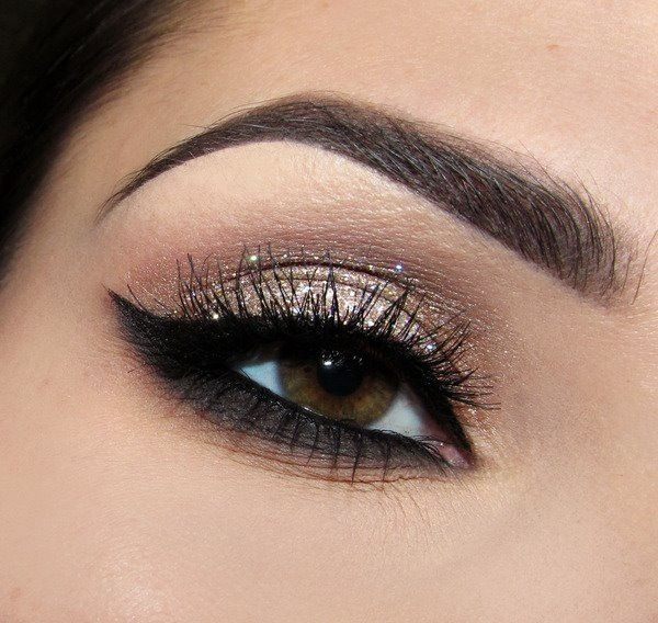 Great makeup for brown eyes and small lids!