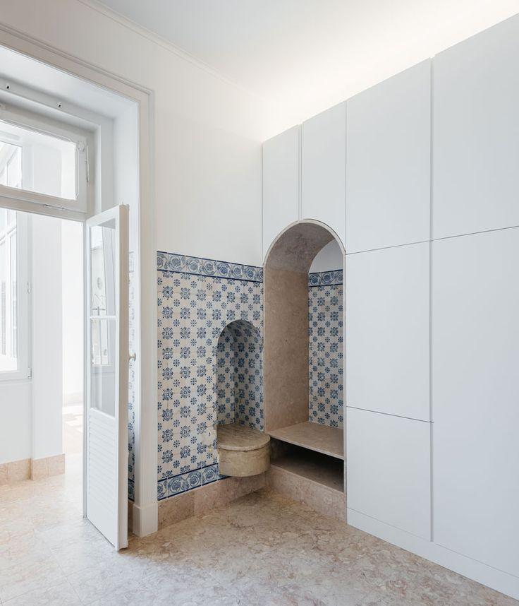 aurora-arquitectos-apartment-in-estrela-lisbon-designboom-02