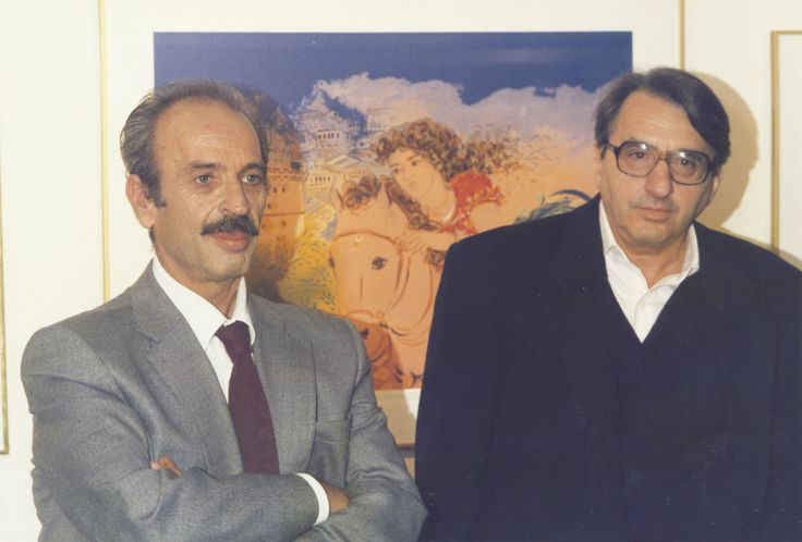 """19/10/1990: Ο Τόλης Καζαντζής με τον Κώστα Μουρσελά στην παρουσίαση του βιβλίου: """"Βαμμένα κόκκινα μαλλιά"""""""