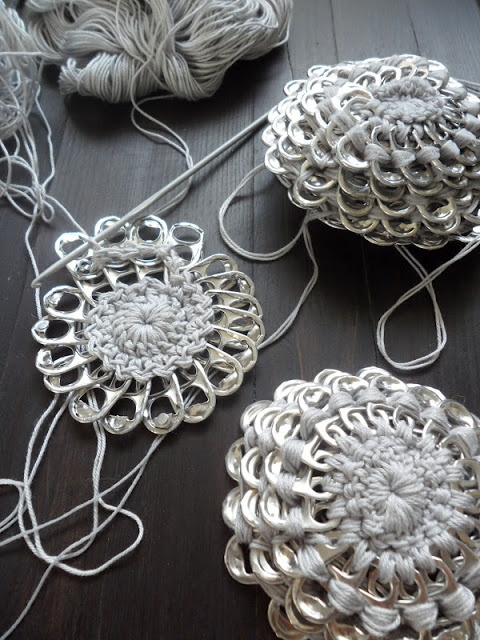 Delightful tutorial to crochet your own special purse. via VMSom A Koppa