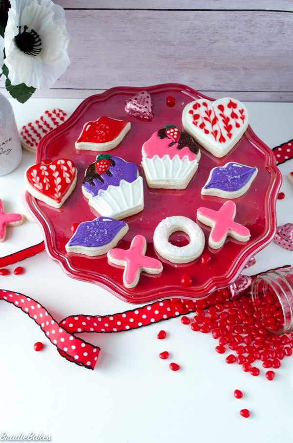 Valentine's Day Cookies - BradieBakes