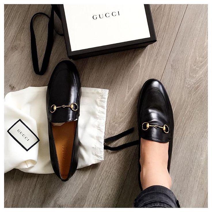• Parisienne of the world •  zeworkinggirl • theworkinggirl.instagram@gmail.com • Shop my closet: