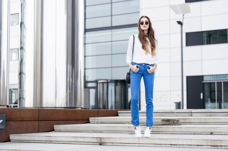 The L Fashion wearing REPLAY Jeans http://www.replayjeans.com/de/shop/product/damen/jeans/jeans-bootcut/bootcut-jeans-dorthy/pc/48/c/52/sc/53/2095 or https://www.zalando.de/damenbekleidung-jeans-bootcut/replay/ and the new Replica Scatto shoes http://www.replayjeans.com/de/shop/product/damen/schuhe/damenschuh-replica-scatto-1972-carried/pc/48/c/51/sc/-1/3019 #replay #replaygermany #thelfashion