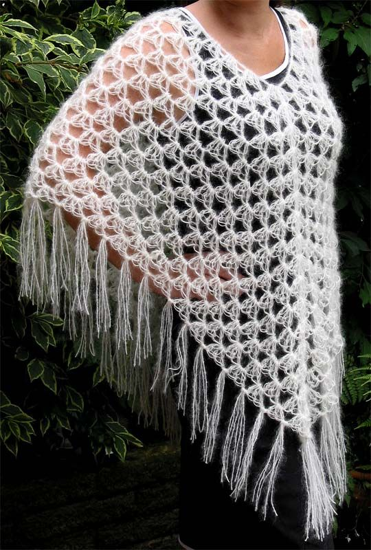 Best 366 ponchos images on Pinterest | Crochet patterns, Crochet ...