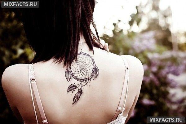 большая татуировка на спине