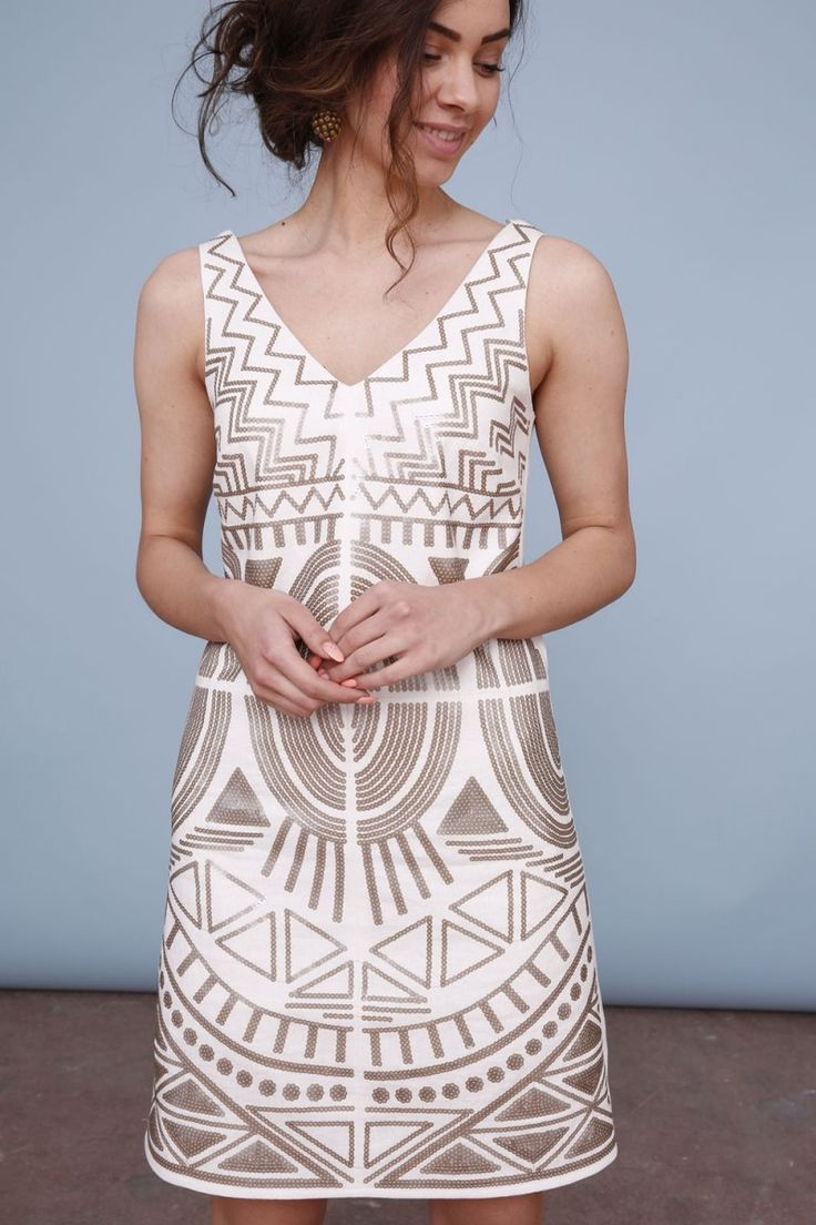 Sukienka z dekoltem w serek - cekin
