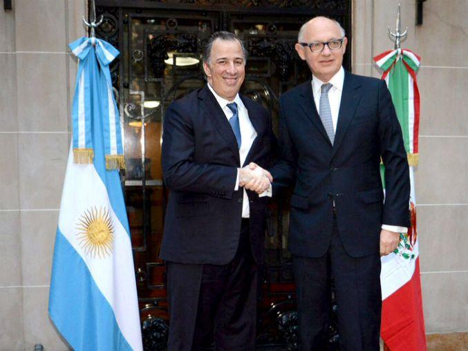 Los ministros de Exteriores se comprometen a seguir el impulso y la diversificación del comercio