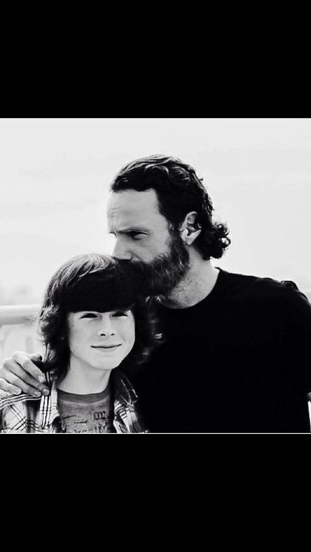 Isn't this the sweetest pick ever? Andrew Lincoln. Chandler Riggs. TWD. The Walking Dead. Rick Grimes. Carl Grimes.
