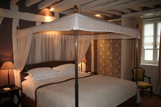 → PAVILLON DE LA REINE PARIS - LUXURY SPA HOTEL PARIS 3 -