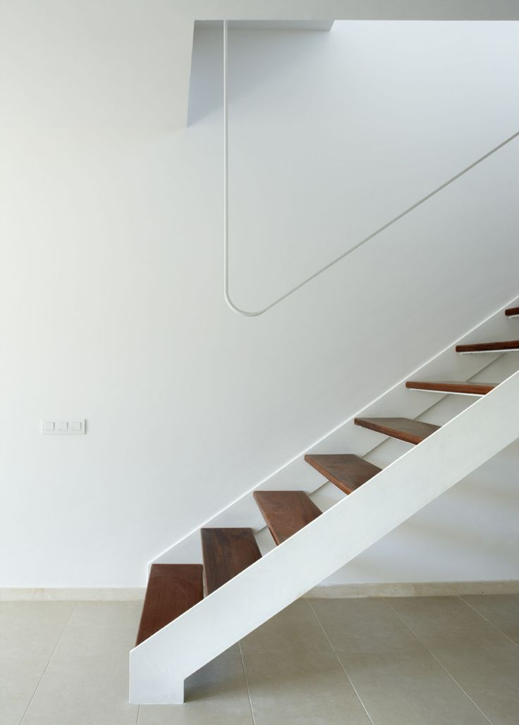 http://divisare.com/projects/141455-marc-mogas-bartomeu-jordi-miralles-t2h