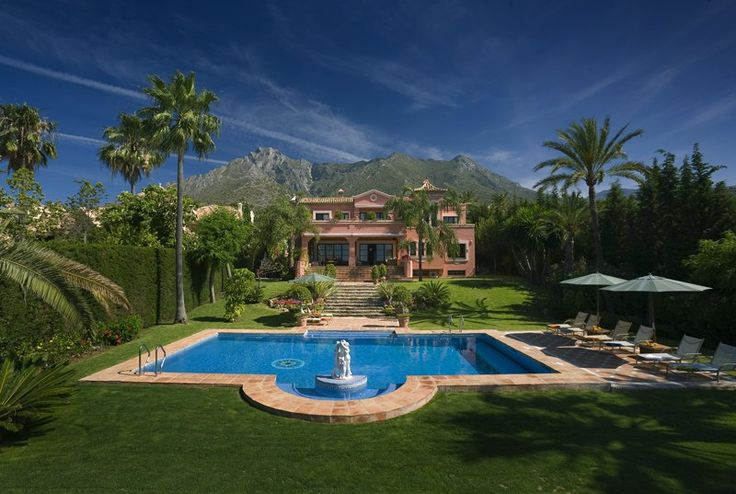 Spain, Sierra Blanca, 18 pax http://pearlconcierge.pl/property/hiszpania-marbella-sierra-blanca-18-osob/