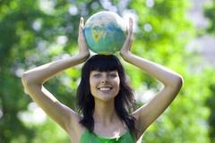 Les frais d'étude en France. Pour s'inscrire en premier ou deuxième cycle à l'université le montant des frais d'inscription est fixé au plan national, et s'applique à tous, français et étrangers.