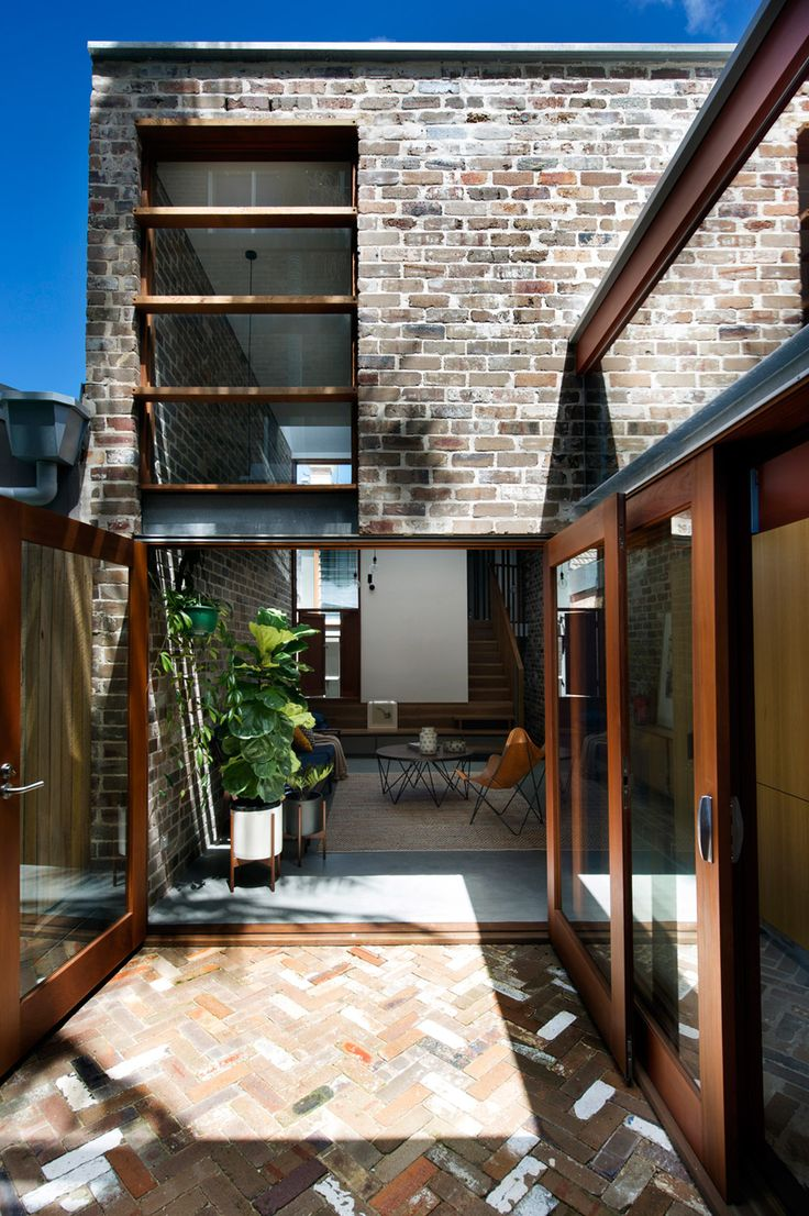 Australian architect David Boyle chose recycled brick for this renovation and extension of a psychologist's house in Sydney