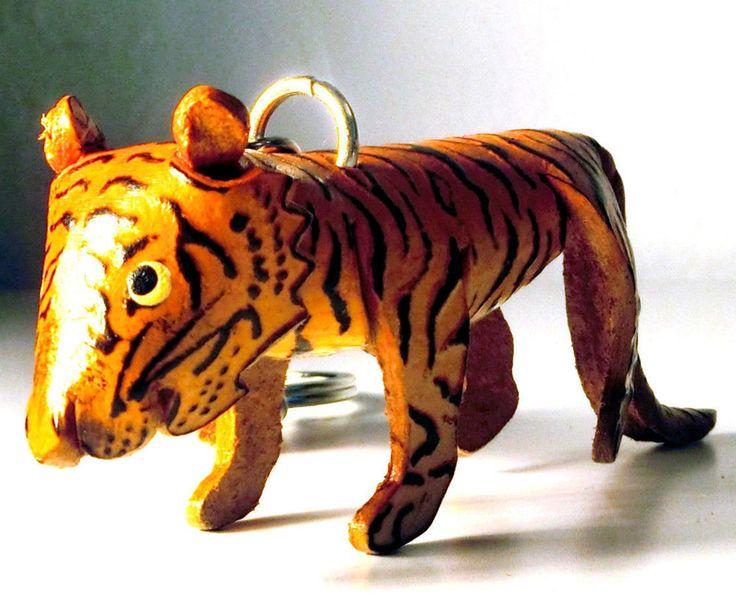 Schlüsselanhänger Tiger aus Leder