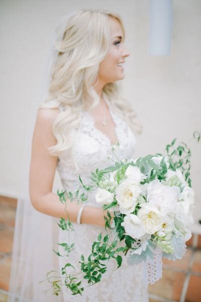 White bouquet: http://www.stylemepretty.com/2015/03/14/whimsical-villa-woodbine-wedding/ | Photography: Shea Christine - http://www.sheachristine.com/